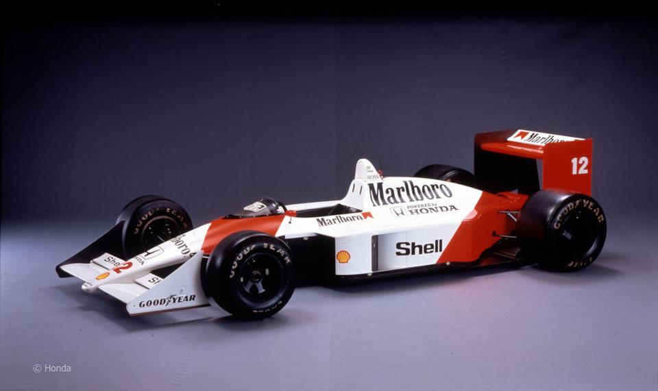 Было построено шесть шасси McLaren MP4/4, пять из которых побеждали в гонках, а один был переделан в MP4/4B для тестирования силовой установки для следующего сезона.