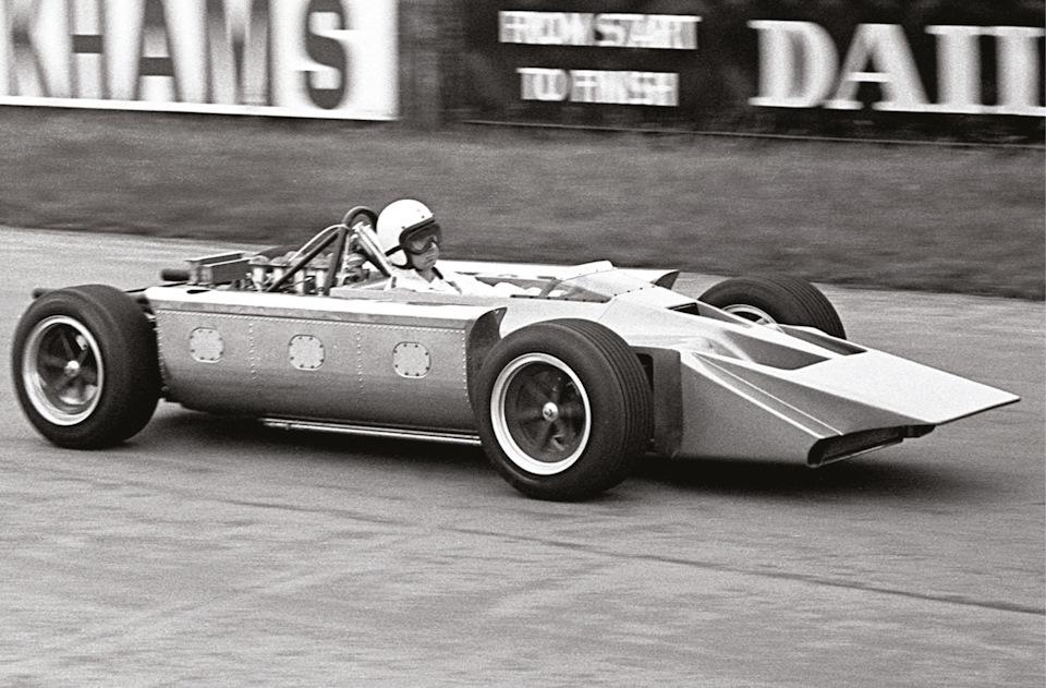 Майк Костин тестирует Cosworth 4WD.