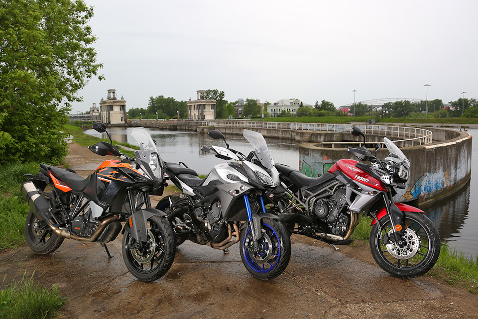 KTM 1090 Adventure, Yamaha MT-09 Tracer и Triumph Tiger 800 XRt