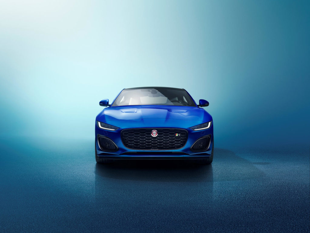 Jaguar F-Typ спереди