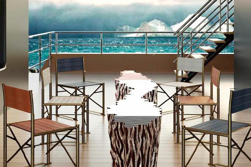 на палубе яхта La Datcha