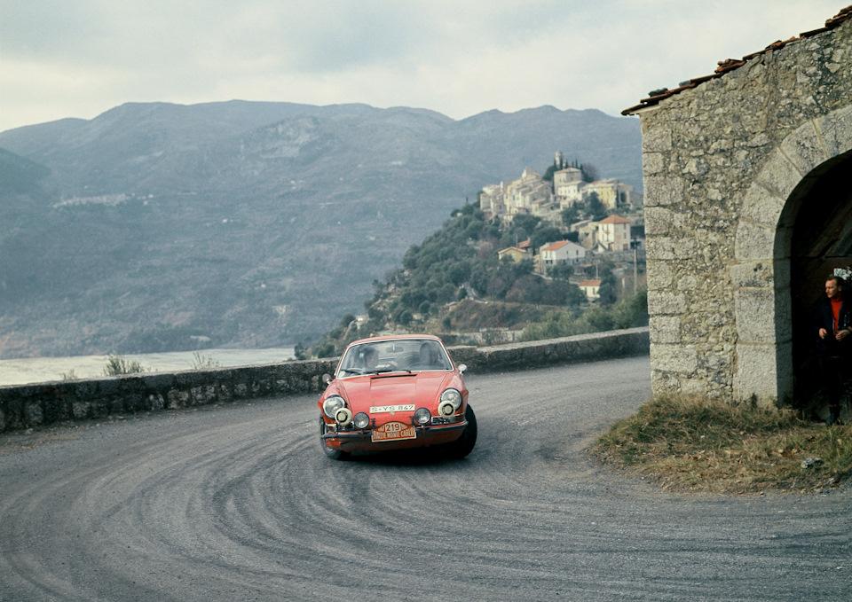 Вик Элфорд и Дэвид Стоун на Porsche 911 S во время «Ралли Монте-Карло» 1967
