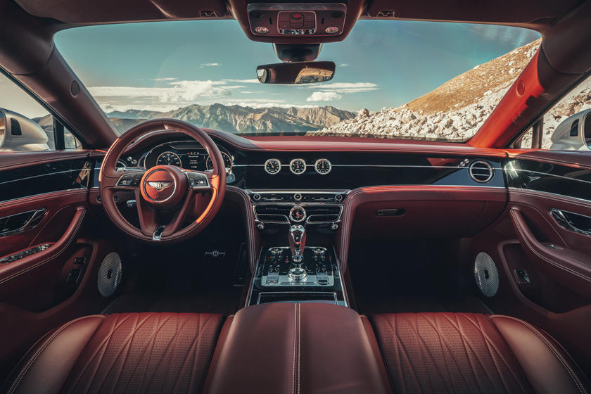 салон Bentley Flying Spur