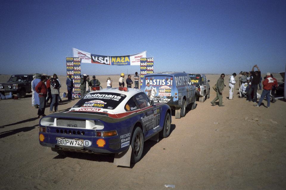 Экипаж Рене Метж/Доминик Лемойн на старте одного из спец-участков ралли-марафона «Париж-Дакар» '86.