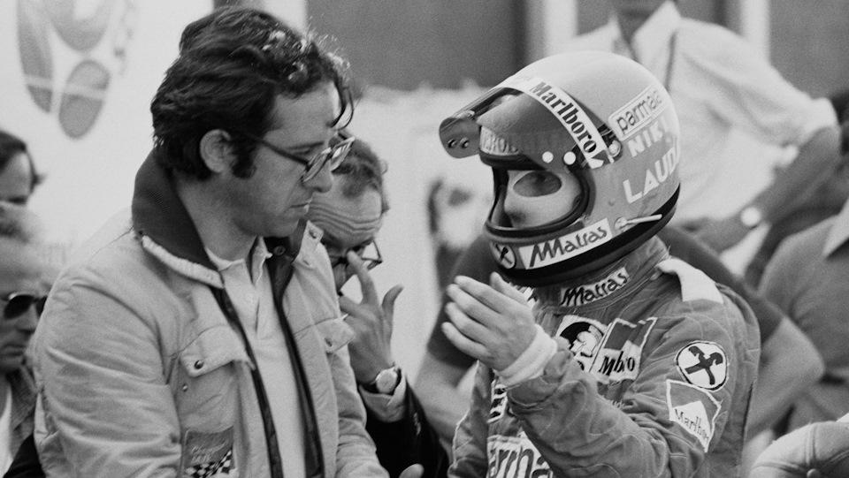 Слева — Мауро Форгьери, благодаря которому у Ники Лауды были две чемпионские Ferrari