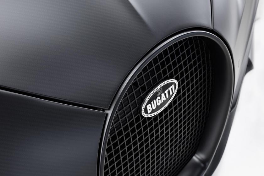 Значок Bugatti Chiron Noire Sportive