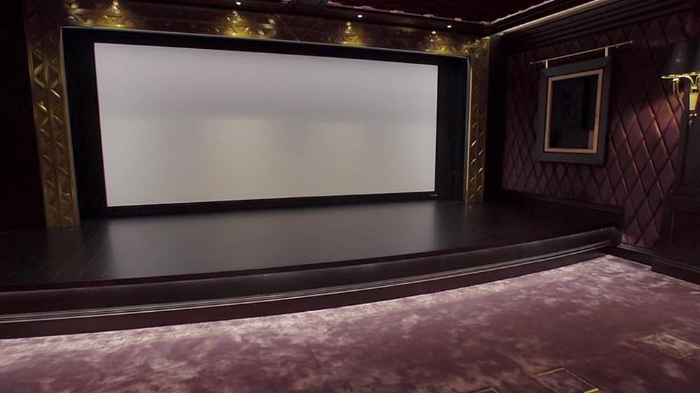кинотеатр в дорогом доме