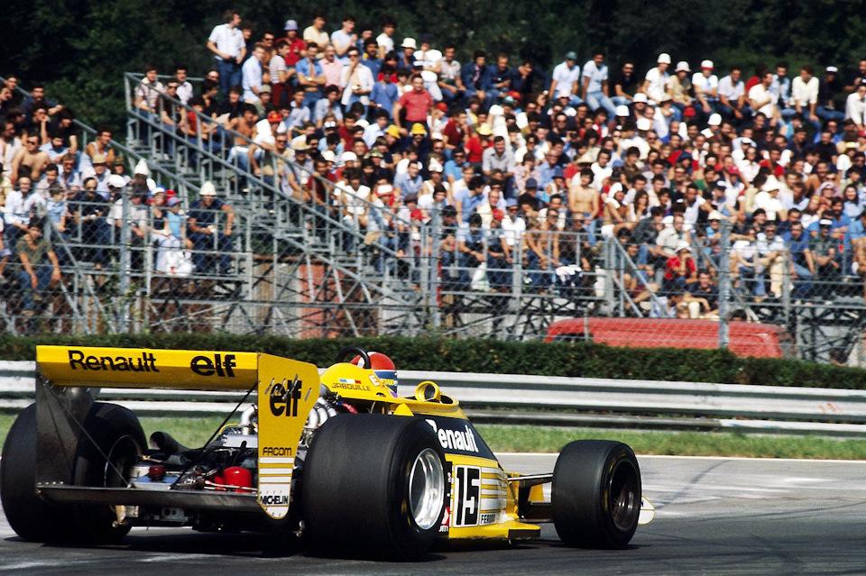 Жан-Пьер Жабуй на Renault RS01 в ходе Гран При Италии '77.