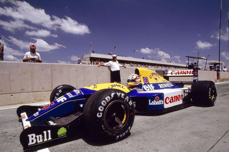 Найджел Мэнселл выводит Williams FW14B Renault на трассу первого этапа сезона. Гран При Южной Африки '92.