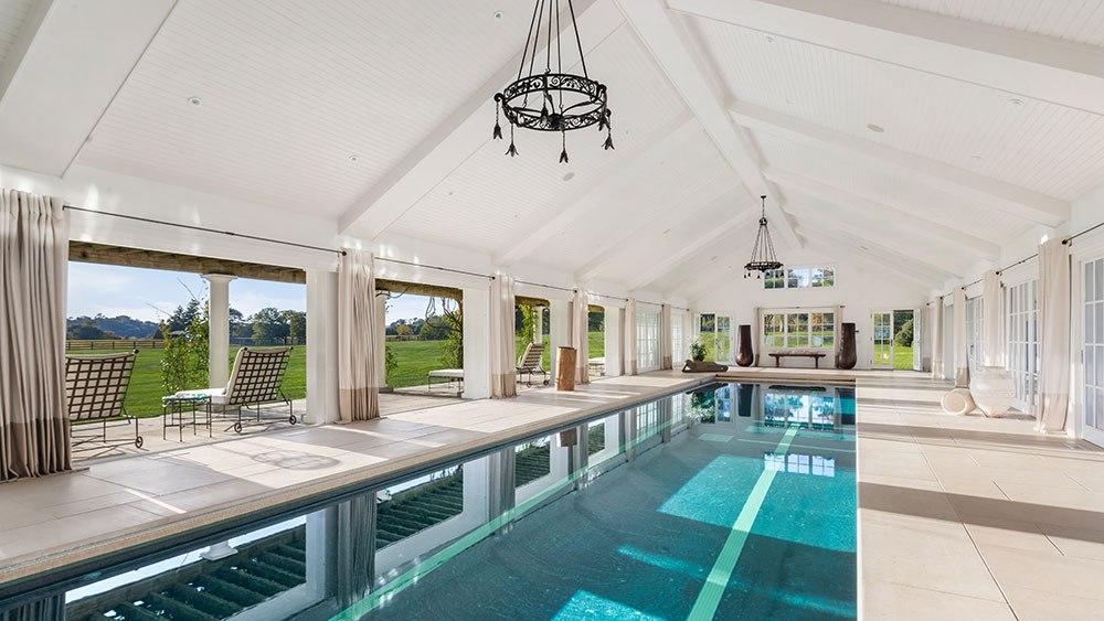 бассейн Поместье соучредителя Calvin Klein за $100 миллионов