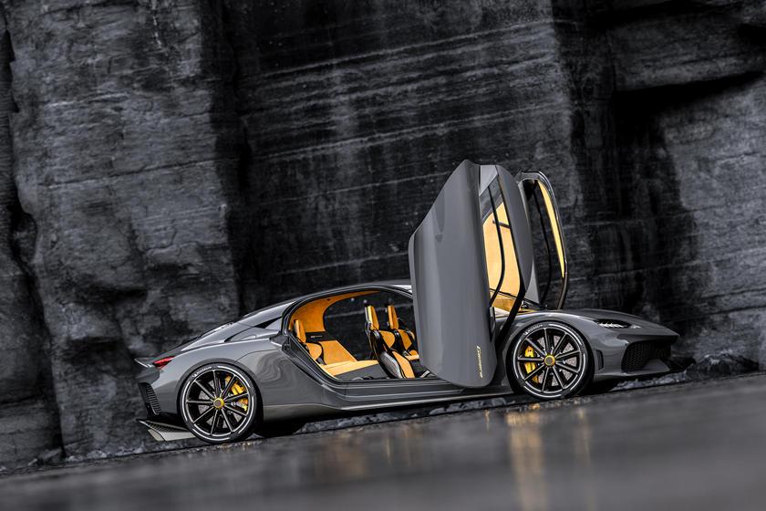 двери Koenigsegg Gemera