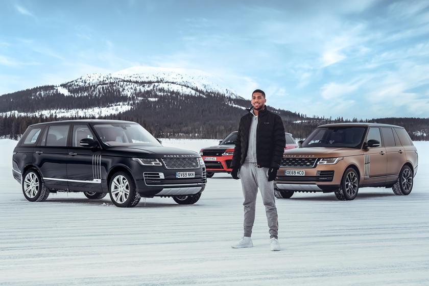 Land Rover отмечает 50-летие Range Rover с джошуа