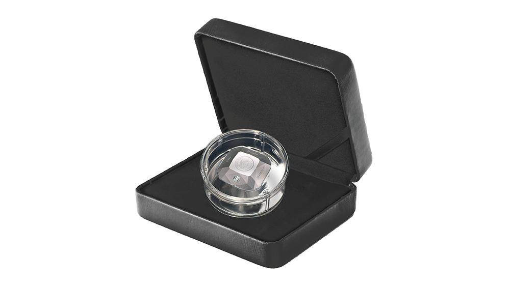 комплект монеты в форме бриллианта