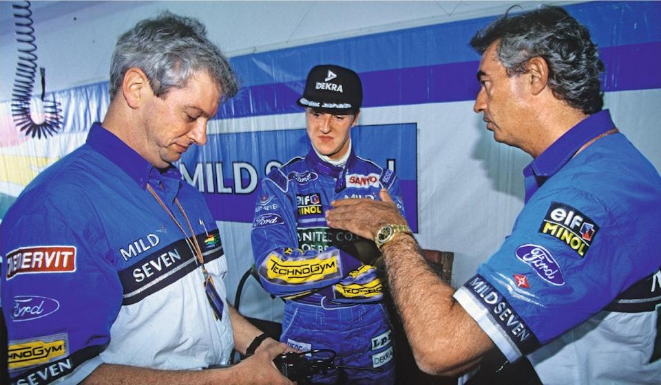 Михаэль Шумахер со своим гоночным инженером Пэтом Симондсом и руководителем команды Флавио Бриаторе.