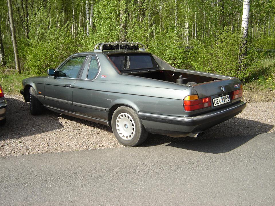 BMW 750 (E32)
