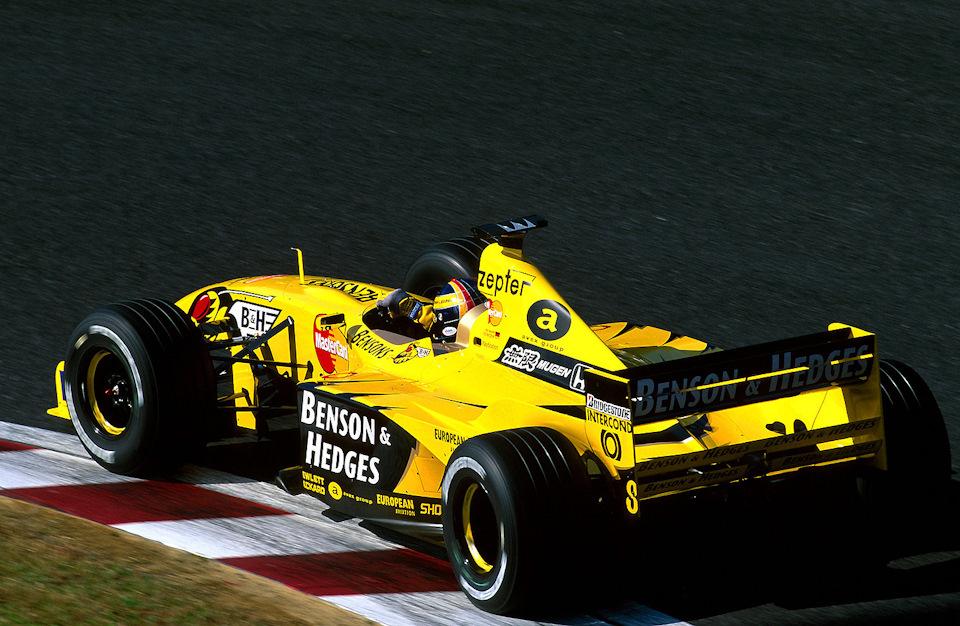 Хайнц-Харальд Френтцен на Jordan 199 Mugen-Honda в ходе Гран При Японии '99.