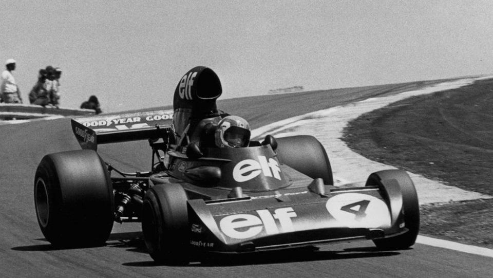Короткобазный Tyrrell 007