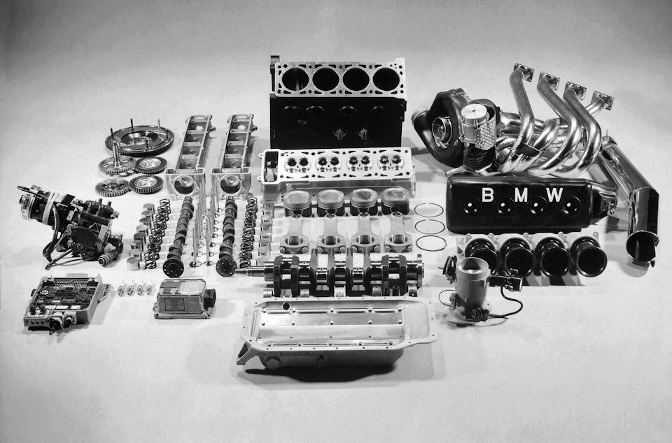 детали двигателя бмв