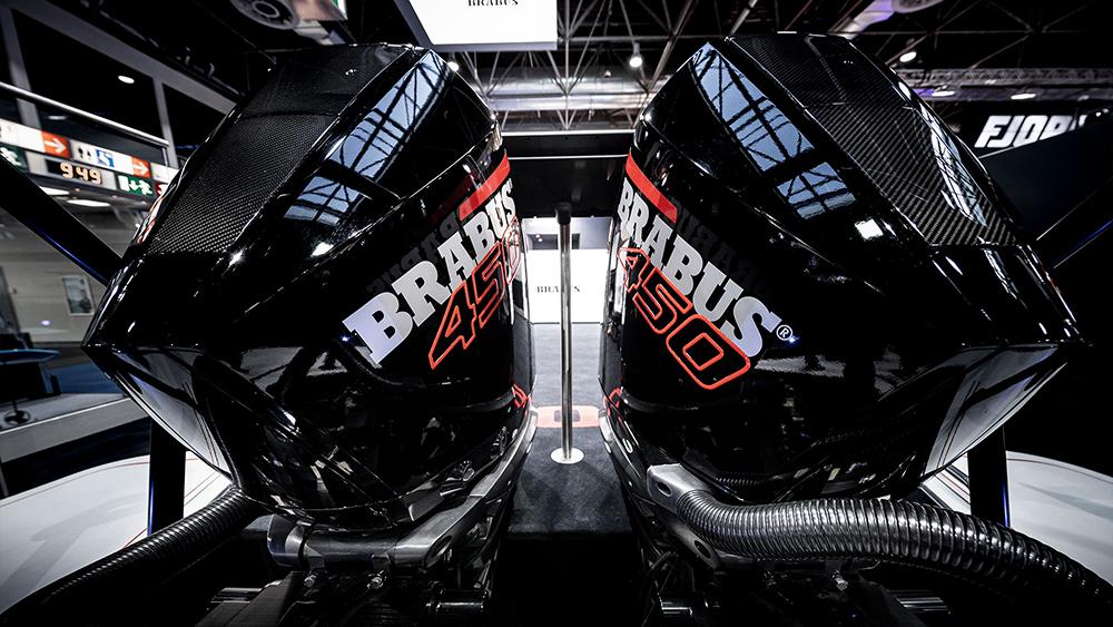 двигателя Brabus Shadow 900 Black Ops Boat