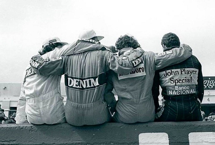 фото гонщиков со спины