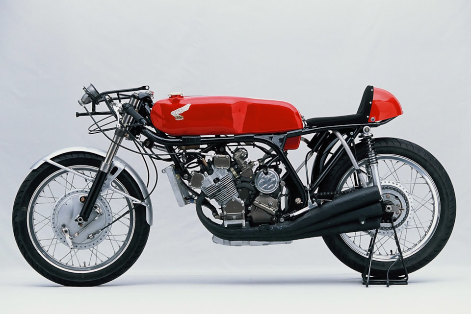 Honda RC166 без обтекателя