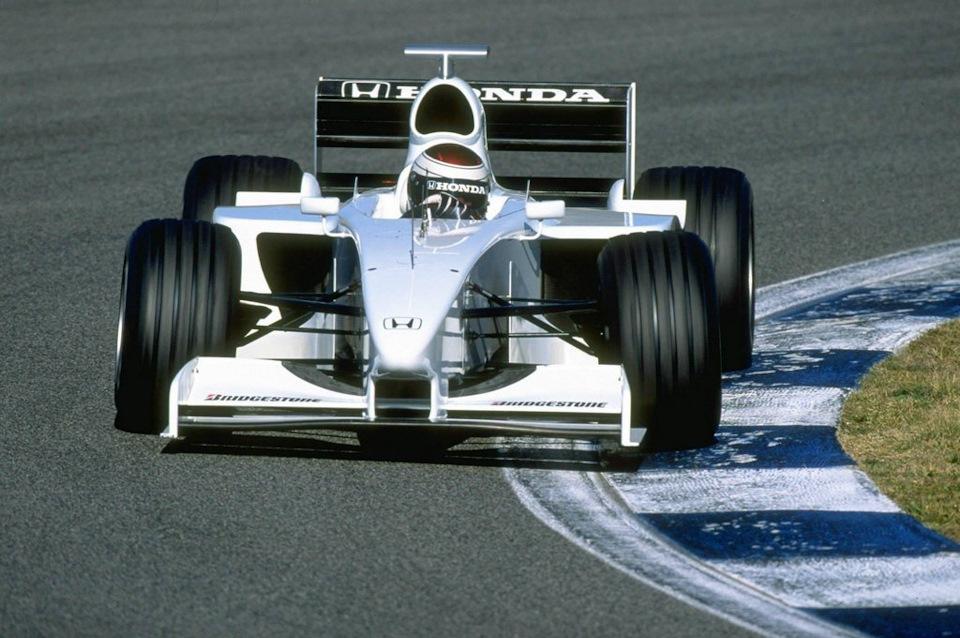 Йос Ферстаппен за рулем Honda RA099 на тестах.