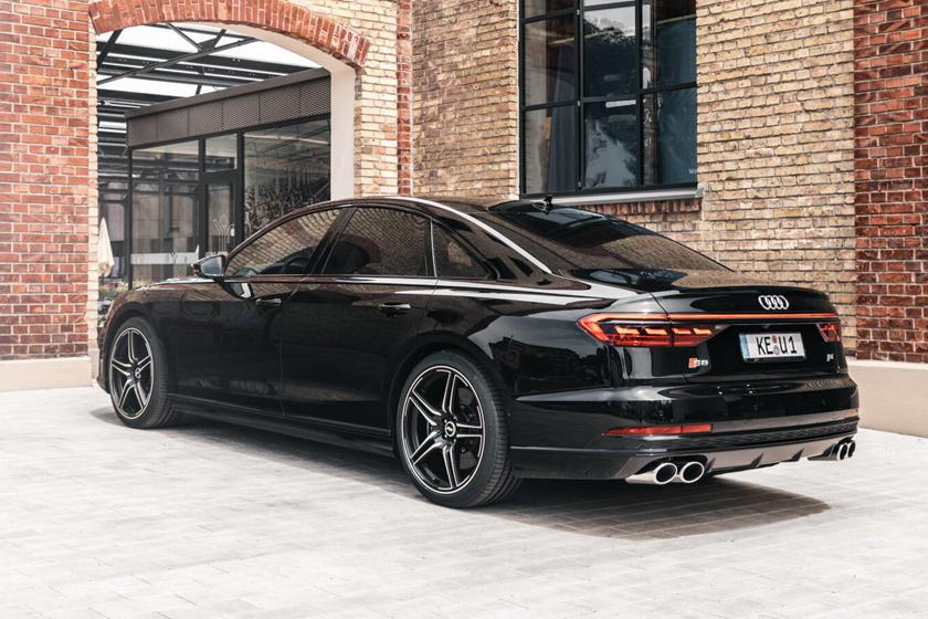 обзор Audi S8