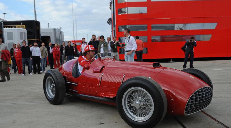Фернандо Алонсо опробовал Ferrari 375 в дни уик-энда Гран При Великобритании '11, когда Scuderia отмечала 60-летие первой победы в Чемпионате мира. В 2001 году круг по Сильверстоуну в этом же автомобиле совершил Михаэль Шумахер.
