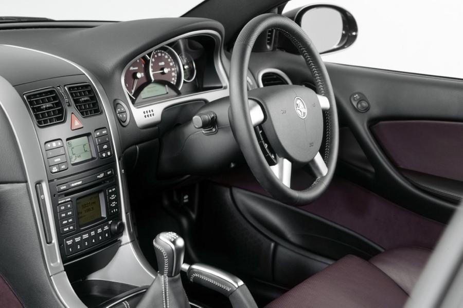 интерьер Holden Monaro