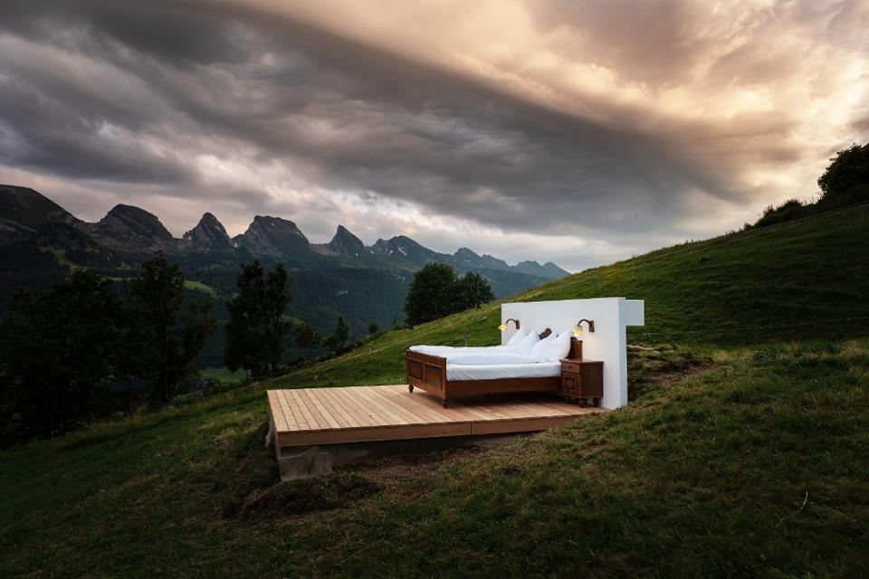 Гостиничный номер без стен и крыши
