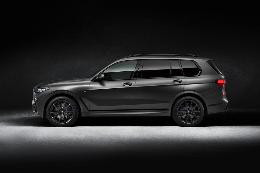 фото BMW X7 Dark Shadow Edition