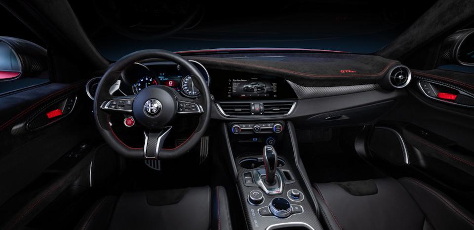интерьер Alfa Romeo Giulia GTAm