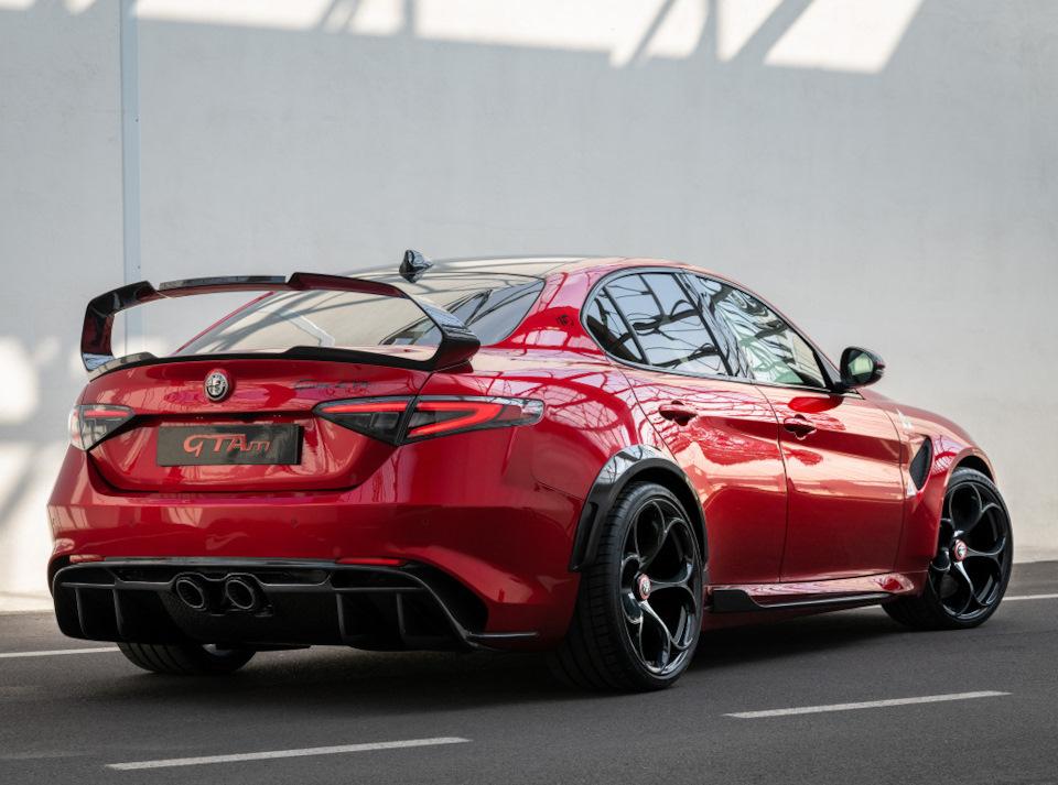 фото Alfa Romeo Giulia GTAm