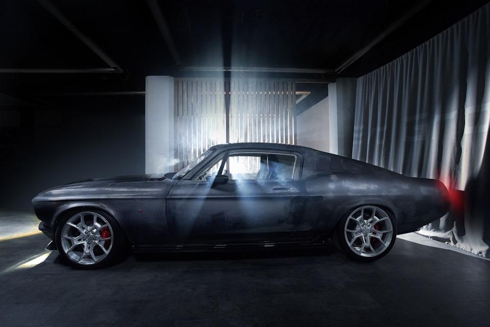 Ford Mustang с внутренностями Tesla обзор