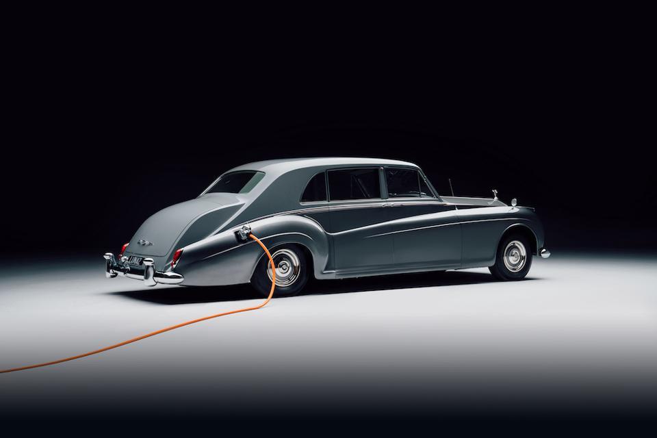 Rolls-Royce Phantom V от Lunaz