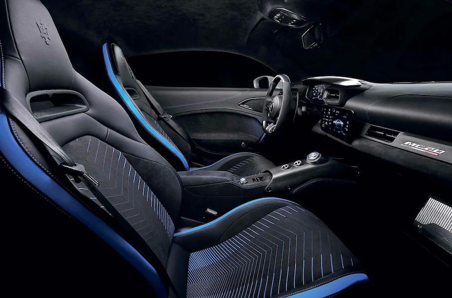 интерьер суперкара Maserati MC20