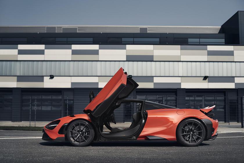 фото McLaren 765LT