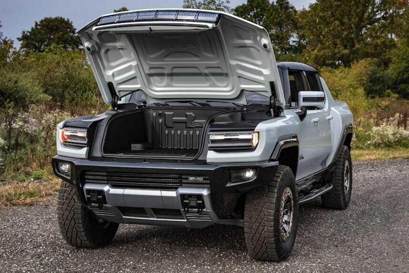 Компания General Motors представила электрический пикап Hummer