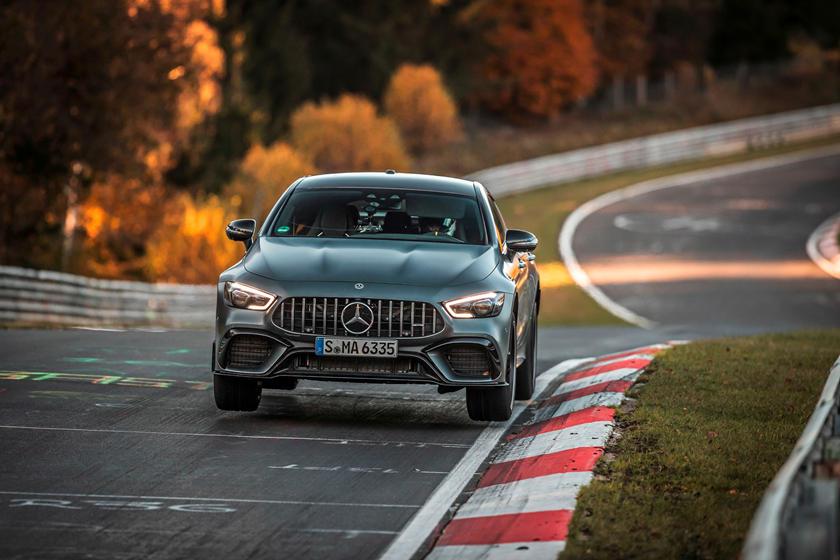 Mercedes-AMG GT 63 S 4MATIC+ фото, характеристики, цена, скорость, обзор