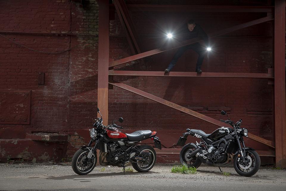 Kawasaki Z900RS и Yamaha XSR900