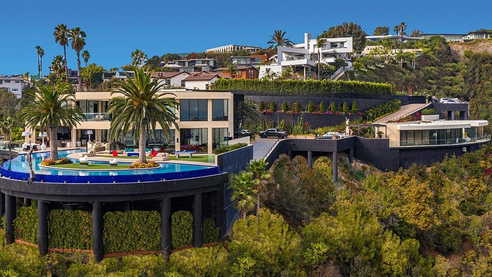 особняка в Лос-Анджелесе за 58 миллионов долларов