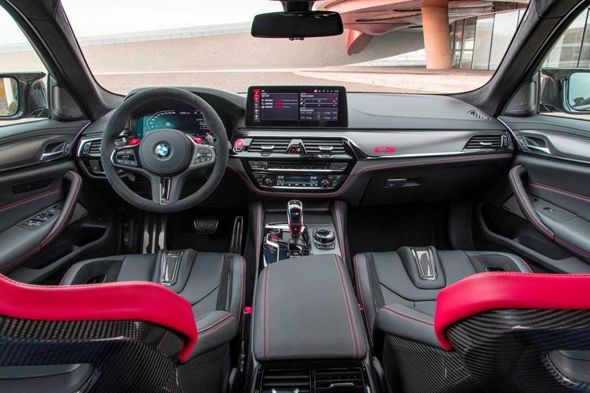 фото интерьера BMW M5 CS