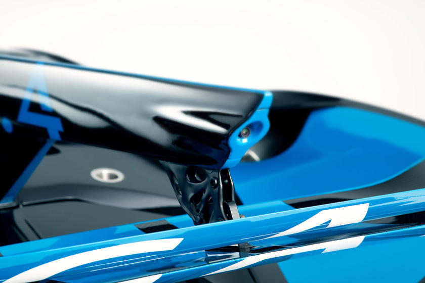 скорость Bugatti Bolide