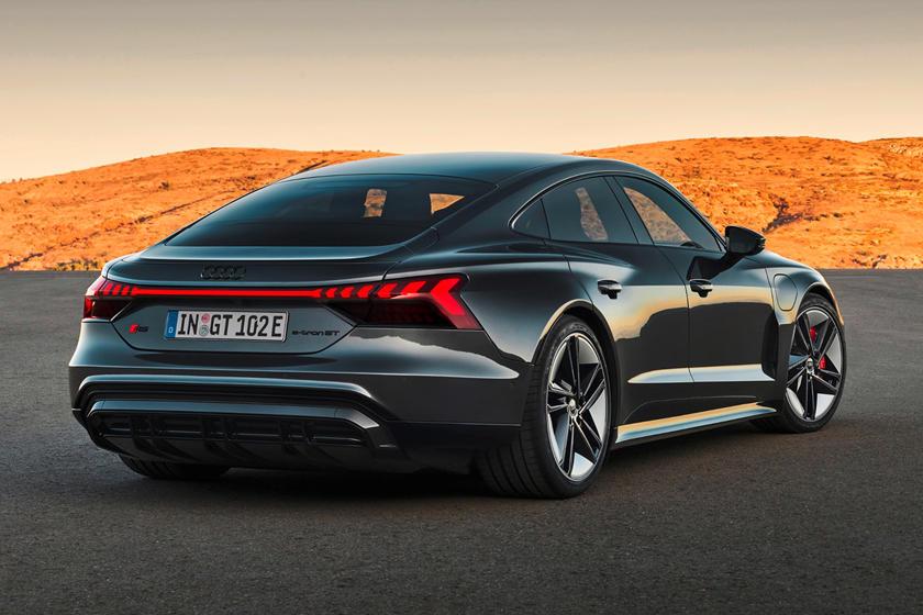 обзор Audi e-tron GT