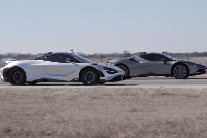 Ferrari SF90 Stradale против McLaren 765LT