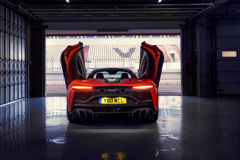 скорость McLaren Artura
