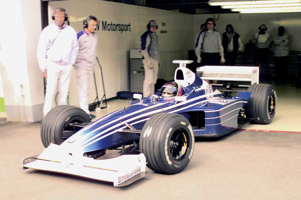 Йорг Мюллер за рулём Williams FW21B BMW на тестах.