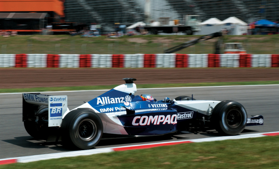 Хуан-Пабло Монтойя на Williams FW24 BMW Гран При Испании '02.