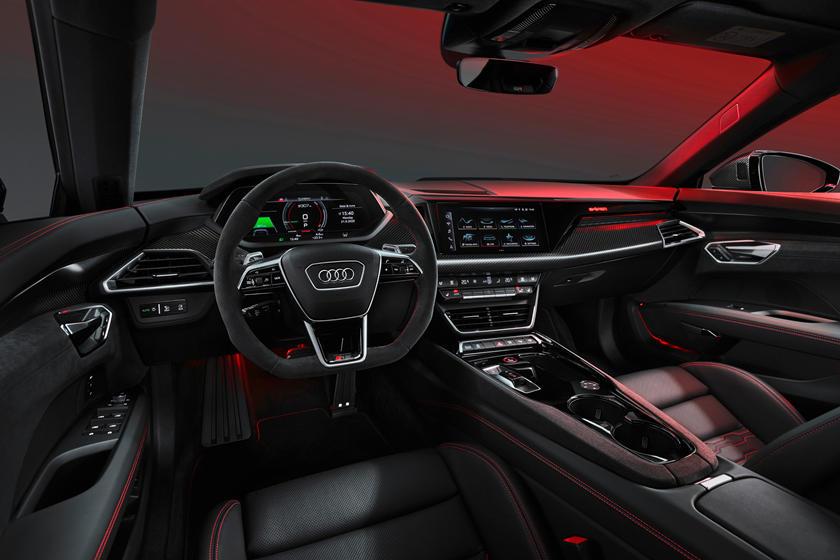 Audi e-tron GT цена
