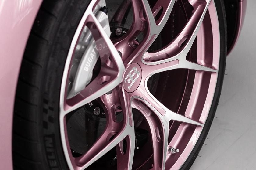 колеса Bugatti Chiron Sport